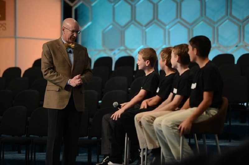 MARK BOWEN/SCRIPPS NATIONAL SPELLING BEE - Finalists from River Grove Elementary School are interviewed on stage by The Scripps Co.'s Chip Mahaney during the Scripps National Spelling Bee's inaugural Spellebrity Video Contest.