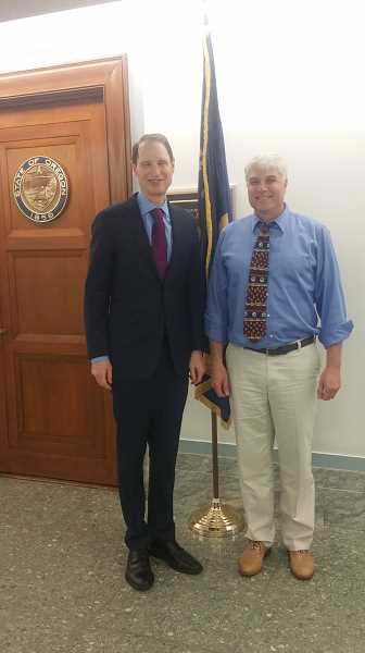 COURTESY OF KATHY ZETTL-SCHAFFER - SHS teacher John Niebergall met with Sen. Ron Wyden on June 17 before attending the Champions of Change for Making event at the White House.