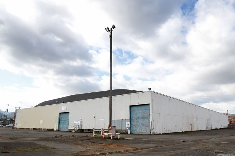 PORTLAND TRIBUNE: JONATHAN HOUSE - Commission Dan Saltzman has proposed using this warehouse at Terminal 1 as a homeless shelter