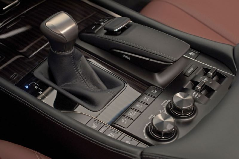 TOYOTA MOTOR SALES USA - The secret to the off-road capabilities of the 2016 Lexus LX 570 can be found in the controls that adjust everything from the height of the body to traction over the most rugged terrain.