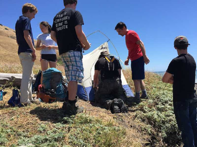 oregon local news local scouts treat badly burned leg of woman on calif trail