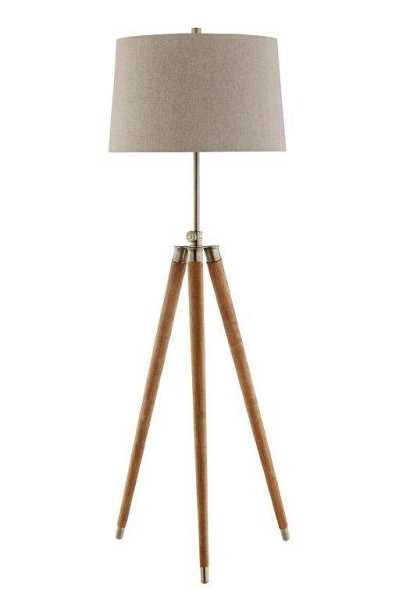 This Stein World Dreyer floor lamp looks stylish and chic in any home