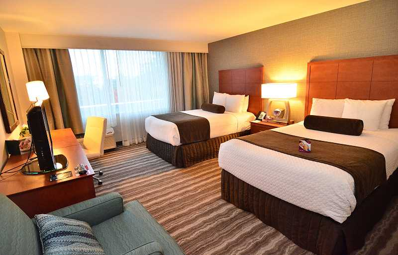 REVIEW PHOTO: VERN UYETAKE - Each of the Crowne Plaza's 161 guest rooms was redesigned, with new furnishings, new mattresses and upgraded showers.