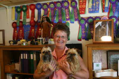 by: ANNEMARIE KNEPPER/CENTRAL OREGONIAN - Monica Bryant with Picabo and Kosmoe, and their ribbons.