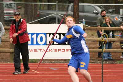 by: ANDREW MATHESON/CENTRAL OREGONIAN - Kady Stafford finished second in the javelin competition with a throw of 113-2 at the Sisters Rotary Club Invitational on Saturday.
