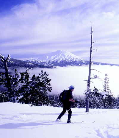 by: SCOTT STAATS/CENTRAL OREGONIAN - Cross-country skier Richard Hildreth of Eugene makes his way across Vista Butte.