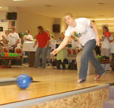 by: Kate Wennerstrom/CENTRAL OREGONIAN - Approximately 150 local residents turned out for the third annual Big Brothers Big Sisters of Central Oregon (BBBSCO) Bowl for Kids' Sake.