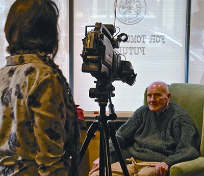 by: RON HALVORSON/SPECIAL TO THE CENTRAL OREGONIAN - Veteran Denny Thomas is interviewed by Ramona McCallister.