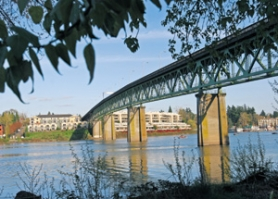 by: JIM CLARK, Built on the cheap 81 years ago, the Sellwood Bridge has design drawbacks and structural problems. But that doesn't mean it can't be saved, according to those who say repair of the bridge is just as much of an option as building a new one.