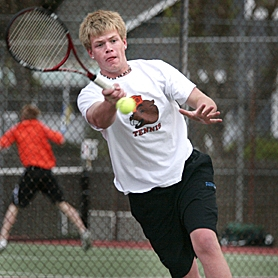 by: MILES VANCE, BACK AT YOU — Beaverton senior Reed Nibley hits a forehand return during his match at No. 1 singles against Jesuit junior Spencer Moore at Beaverton High School last Thursday. Nibley and Moore completed their match Friday after rain suspended play, with Moore winning in straight sets.