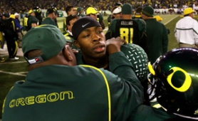 by: L.E. BASKOW, Dennis Dixon's knee injury is a shame, a letter writer says, but real fans know one man doesn't make a team. And they certainly know the University of Oregon's fight song