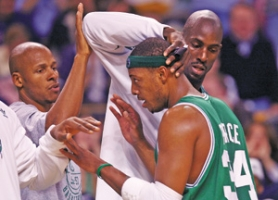 by: ELSA, Bringing in (from left) Ray Allen and Kevin Garnett to play with Paul Pierce had the Boston Celtics atop the NBA with a 30-5 record entering Monday's game.