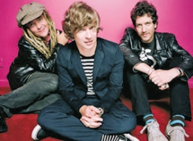 "by: COURTESY OF BARSUK RECORDS, Riding a ""Lucky"" wave, Nada Surf brings its unpretentious pop to town."