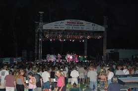 by: COURTESY OF THE WOODEN NICKEL, Fans rock out during the recent Pat Benatar concert at the Oregon Garden.