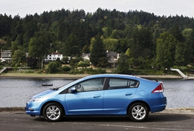 by: ANNI TRACY, Sleek styling, crisp steering and a responsive suspension make the 2010 Honda Insight a sporty hybrid.