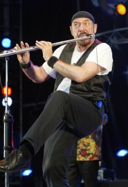 by: FRED TANNEAU, Ian Anderson, flutist, vocalist and the leader of British rock band Jethro Tull, joins the Oregon Symphony for a Nov. 13 show at the Arlene Schnitzer Concert Hall.