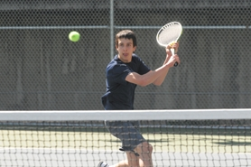 by: VERN UYETAKE Scott Goldner was the district runner-up last season and hopes to capture the Three Rivers League singles crown this year.