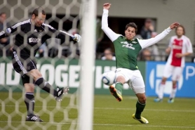 by: CHRISTOPHER ONSTOTT Goalkeeper Jeroen Verhoeven of AFC Ajax deflects a shot by the Portland Timbers' Sal Zizzo.