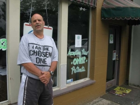 by: RAYMOND RENDLEMAN Milwaukie resident Stephen Bolte said he's managing his post-stroke pain much better by getting marijuana from the Green Prescription outlet on McLoughlin Boulevard and River Road.
