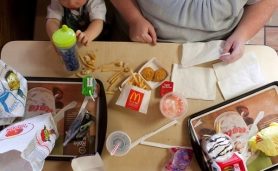 "by: Christopher Onstott Children under 18 can't legally buy cigarettes. Could the day be coming when they won't be able to buy their own fast foods and snack foods? At least one physician thinks certain ""addictive"" unhealthy foods may eventually go that route."