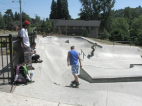 by: Mara Stine Skateboarders at the Gresham Skate Park weren't worried too much about the stabbing that took place there after a fight on Tuesday night. Tanner Nashif, 17, of Gresham said the two groups involved in the fight