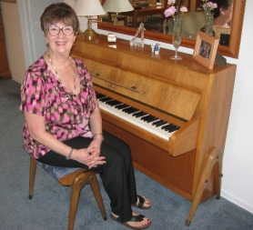 by: Barbara Sherman HAVE PIANO, WILL PERFORM — Muriel Dresser was as much at home performing on movie and television sets and on USO and vaudeville stages as she is in her living room.