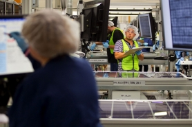 by: CHRISTOPHER ONSTOTT High tech manufacturing companies like SolarWorld are boosting employment in Washington County.