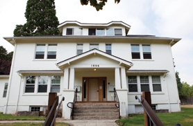 by: Chase Allgood This year, a house located at the intersection of 18th Avenue and Elm Street, which once housed the Alpha Zeta and Gamma Sigma fraternities, will be part of a historic home tour.