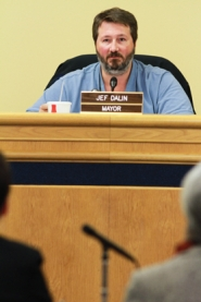 by: Chase Allgood Cornelius Mayor Jef Dalin zeroed in on Metro Councilors Kathryn Harrington and Carlotta Collette last week, complaining that rebuffing a request from the city to expand the urban growth boundary near its borders will prevent it from taking advantage of recent developments at Intel's Hillsboro campus.