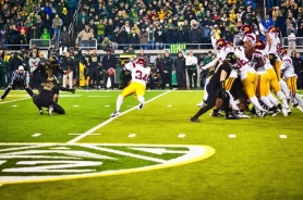 by: MICHAEL WORKMAN Alejandro Maldonado attempts a 37-yard field goal on the last play of Saturday's Oregon-USC game at Autzen Stadium. The kick was wide left, and the Trojans beat the Ducks 38-35.