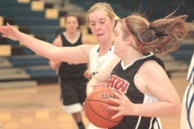 by: Kris Anderson Barlow's Sydney Leliefeld stays in front of Sandy guard Racquel Pellecer during the Bruins nonleague victory on Monday night.