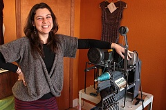 by: DAVID F. ASHTON - 'Yarnia' owner Lindsey Ross prepares a skein of custom-blended yarn for a customer, during the Rose City Yarn Crawl.