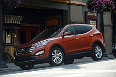 Photo Credit: HYUNDAI MOTOR COMPANY - The exterior of the 2014 Hyundai Santa Fe Sport is crisp and slightly aggressive looking.
