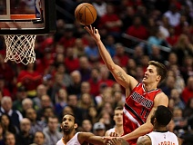 Photo Credit: COURTESY OF DAVID BLAIR - Meyers Leonard knifes through the middle against the Phoenix Suns, helping the Trail Blazers win at home on Thursday.