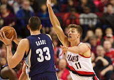 TRIBUNE FILE PHOTO: JAIME VALDEZ - The Blazers can send a variety of big men to defend Memphis center Marc Gasol, including Meyers Leonard (right).