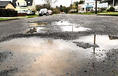GARY ALLEN - A consultant has been hired to create a plan for street maintenance in Newberg. The $75,000 project will guide how the city deals with the deferred pavement upkeep.