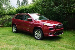 PORTLAND TRIBUNE: JEFF ZURSCHMEIDE - The compact 2016 Jeep Cherokee can be ordered with a heavy duty Overland package for serious off-road driving.