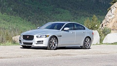 PORTLAND TRIBUNE: JEFF ZURSCHMEIDE - The 2017 Jaguar XE looks like you expect - a smaller version of a stylish Jaguar sedan, complte wth the trademark grill.