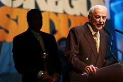 TRIBUNE FILE PHOTO: JAIME VALDEZ - Harry Merlo, accepting an award at the 2011 Oregon Sports Awards hosted by Nike, died Monday at age 91.